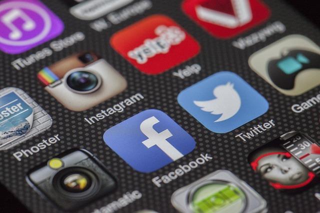 facebook,twitter,internet i reklama